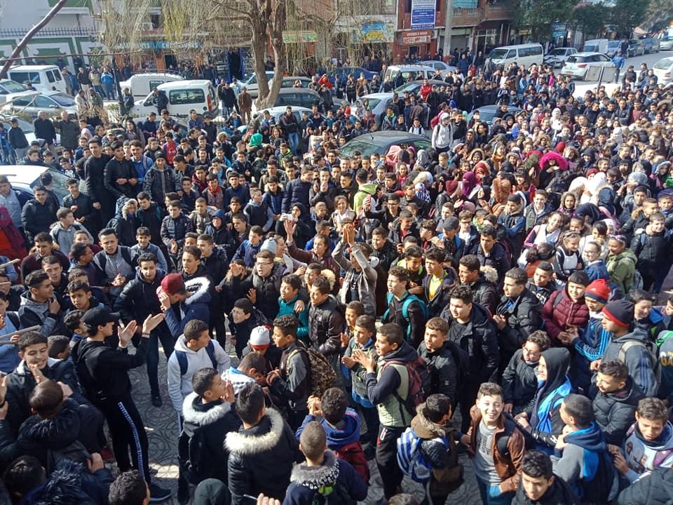 بالصور.. احتجاجات التلاميذ ضد الولاية الخامسة تهز الجزائر