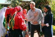 فتيات المغرب يبهرن الأمير هاري وميغان ويلفتن اهتمام الإعلام البريطاني
