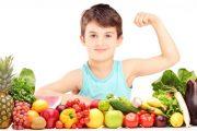 طرق مبتكرة لإقناع الطفل العنيد بتناول الطعام الصحي