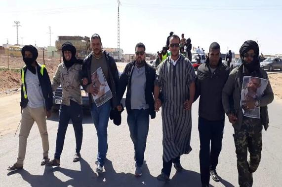 تندوف تغلي.. احتجاجات عارمة للكشف عن مصير الخليل أحمد