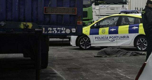 شاحنة تدهس قاصرا مغربيا حاول