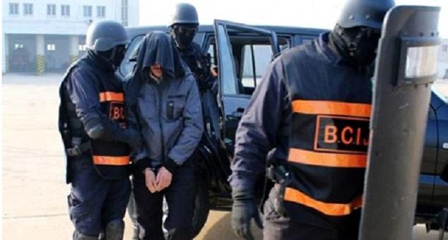 سلا.. توقيف 3 فرنسيين أحدهم من أصل جزائري لتورطهم في تمويل الإرهاب