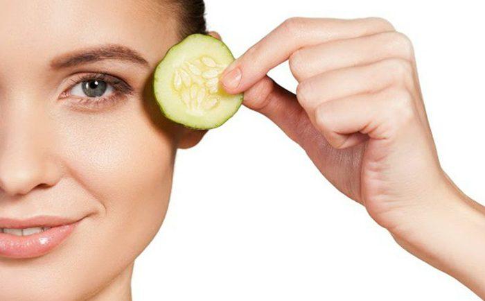 وصفة طبيعية تخلصك من انتفاخات العين