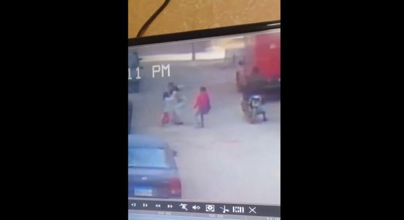 بالفيديو... طفلة مصرية تنجح في الهروب من خاطفها