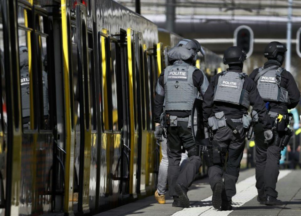 وسط ترقب أسر مغربية.. هولندا تحدد هويات ضحايا هجوم أوتريخت