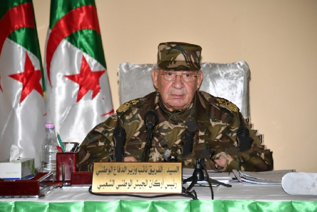 الجزائر: العسكر يرفع راية رفض التغيير