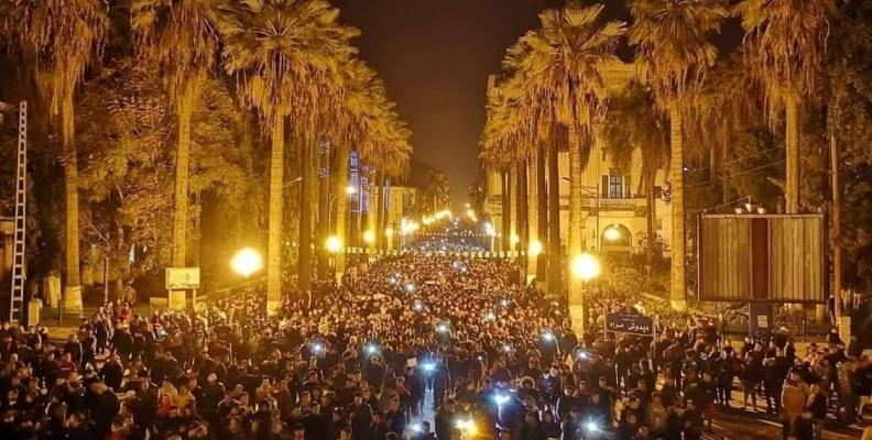 الجزائر: الأوضاع تغلي وهدر الوقت خطير