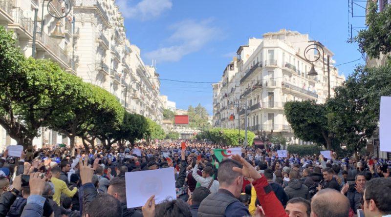''النظام ديكاج'' يهز الجزائر في ثاني جمعة غضب ضد الولاية الخامسة
