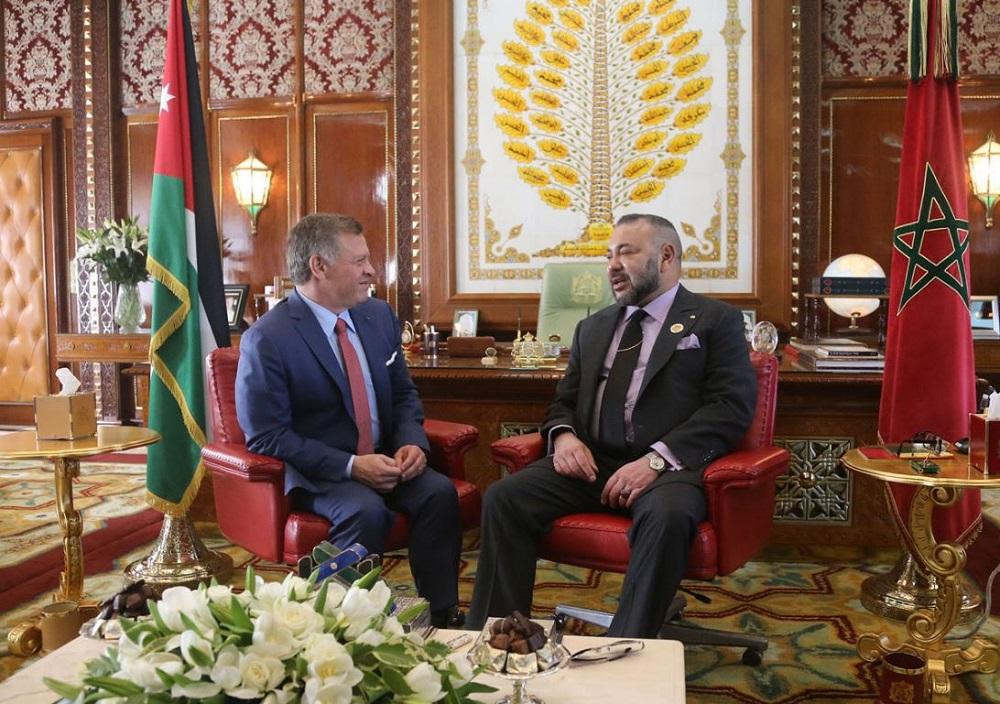 الملك محمد السادس يجري مباحثات على انفراد مع العاهل الأردني