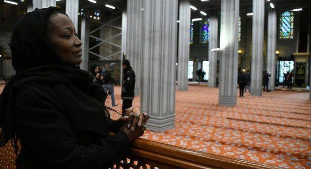 مغنية أمريكية تعتنق الإسلام بعد أحداث نيوزلاندا