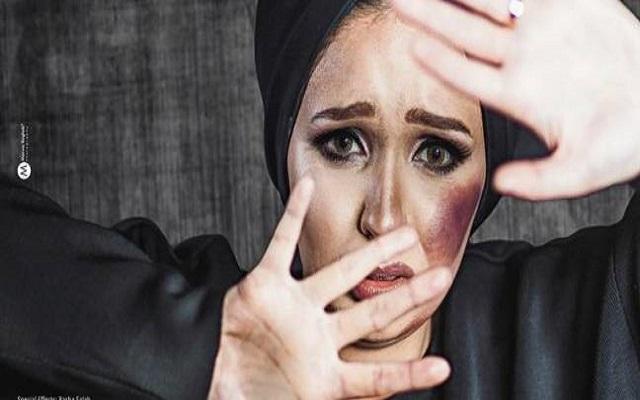 الإعلام الإيراني يدعوا النساء اللواتي يتعرضن للعنف المنزلي إلى تقبيل أقدام أزواجهن !!!