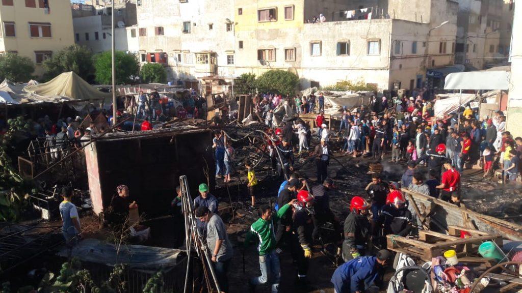 بالصور.. اندلاع حريق مهول في سوق ليساسفة بالبيضاء