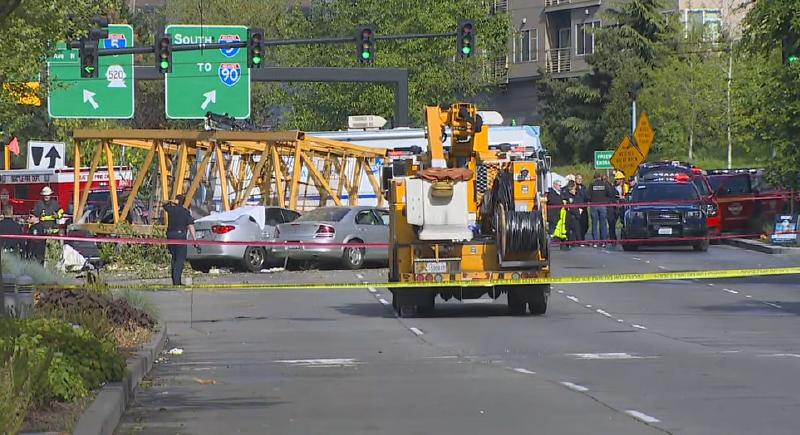بالفيديو..سقوط رافعة عملاقة على مبنى في واشنطن يوقع ضحايا