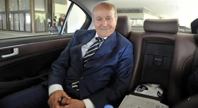 الجزائر: السجن لأغنى رجل في البلاد (فيديو)