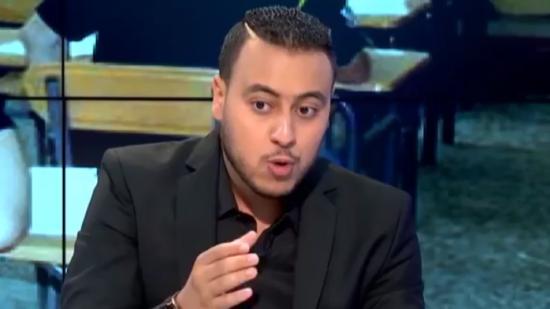 ''الأستاذ المعجزة'' يوجه رسالة للشباب المغاربة في