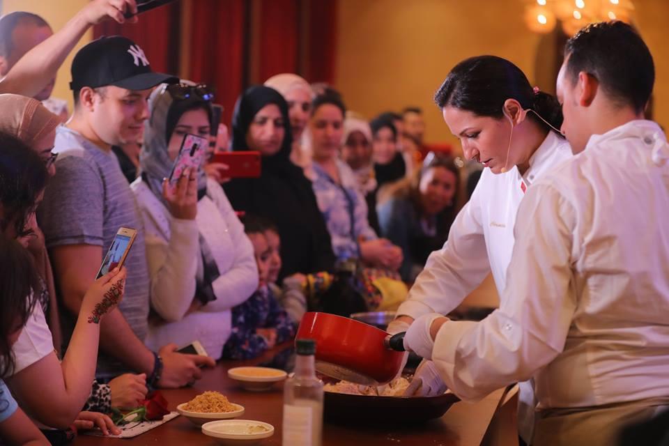 نجم المطبخ المغربي يسطع بالإمارات ويقرب المسافات بين البلدين