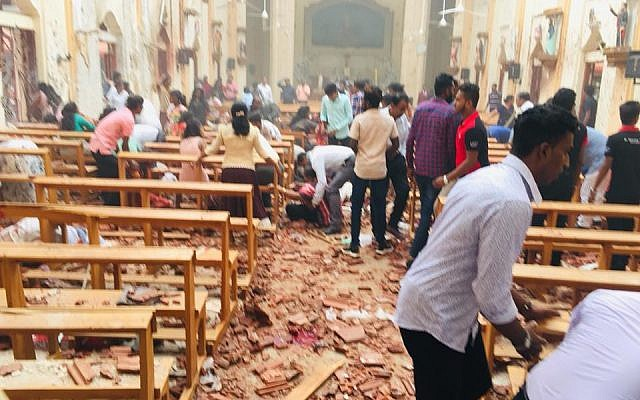 تفجيرات تهز كنائس وفنادق بسريلانكا وتوقع قتلى من عدة جنسيات