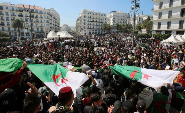 الشعب المغربي ينتظر إشارات إيجابية من أشقائه في الجزائر