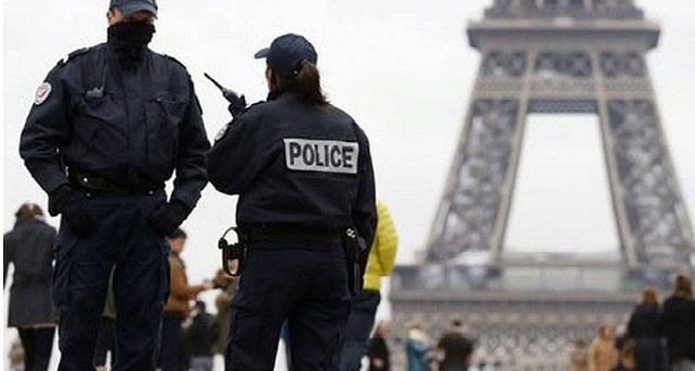فرنسا تنجو من