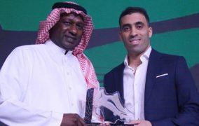حمد الله يتوج بجائزتي الحذاء الذهبي وأفضل لاعب في الدوري السعودي