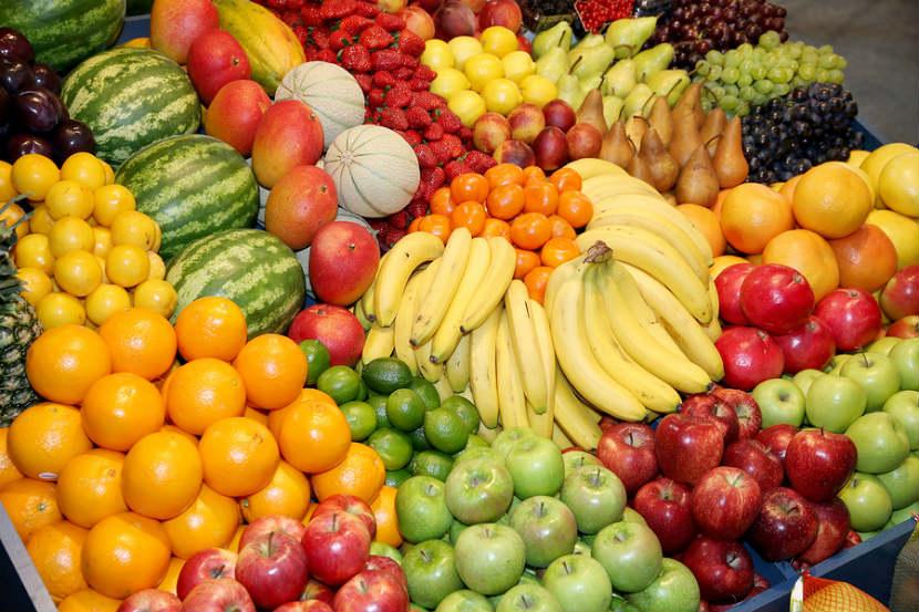 أسعار البصل الملتهبة تدفع مستهلكين للإقبال على الفواكه ومنتجات أخرى