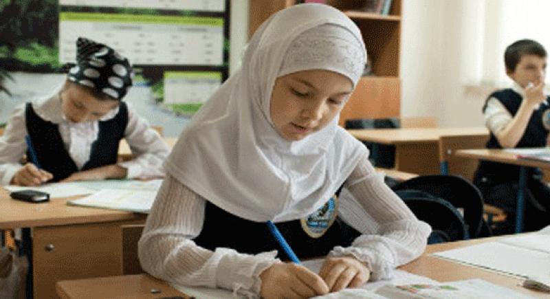 النمسا تمنع إرتداء الحجاب بالمدارس