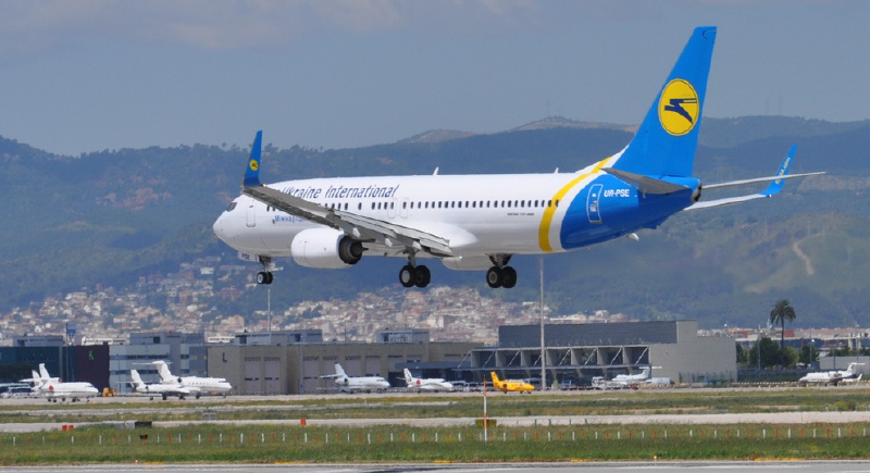 طائرة أوكرانية تقلع دون 30 من ركابها على الأرض لهذا السبب..