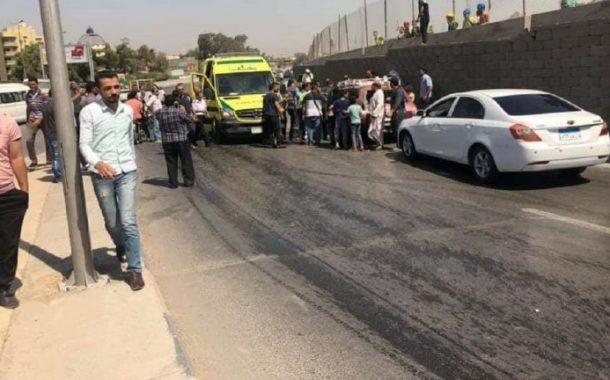 بالصور.. انفجار يستهدف حافلة سياحية قرب الأهرامات في مصر