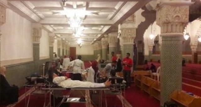 في رمضان.. إقبال كبير للمصلين على التبرع بالدم بمساجد المملكة