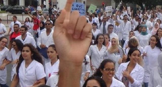 في خطوة تصعيدية.. طلبة الطب يرفضون استئناف الدراسة