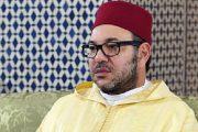 """الملك يؤدي صلاة الجمعة بـ""""مسجد الإسراء والمعراج"""" بالدار البيضاء"""