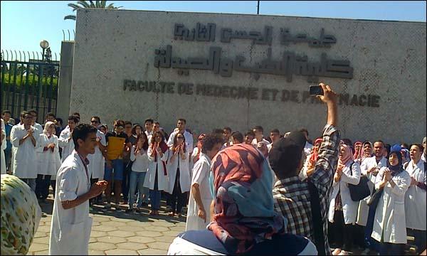أساتذة الطب والصيدلة يناشدون أمزازي تأجيل الامتحانات