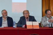 صحافي إسباني يقدم بلاس بالماس كتابه الجديد حول الصحراء المغربية
