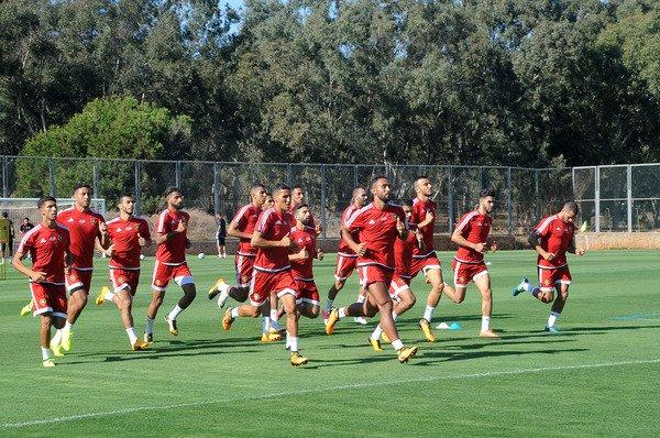 كأس إفريقيا.. المنتخب المغربي يجري أول حصة تدريبية له بالقاهرة