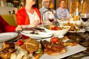 سبتة المحتلة.. أرباب المطاعم يقودون حملة ضد السياح المغاربة