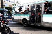 أمن البيضاء يوقف 3 أشخاص عرضوا ركاب حافلة للخطر