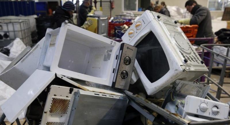 لماذا ستسجن اليابان كل من يقتني جهاز الميكروويف؟