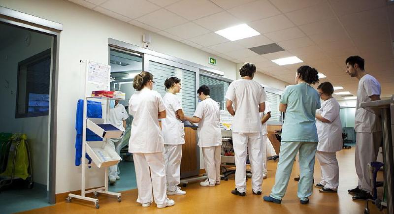 رفض منح الجنسية الفرنسية لممرضة والسبب!؟