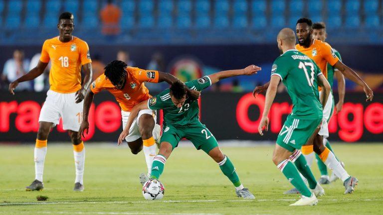 الجزائر تفوز على كوت ديفوار بضربات الترجيح وتتأهل إلى المربع الذهبي
