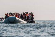 البحرية الملكية تنقذ 242 مرشحا للهجرة السرية