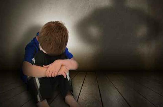 مطالب بتشديد العقوبة على مغتصبي الأطفال بالمغرب