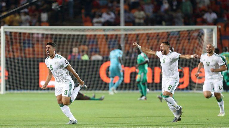 الجزائر تهزم السنغال وتتوج بكأس إفريقيا للمرة الثانية في تاريخها