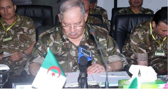 الجزائر.. تغييرات جديدة في الجيش لمحاولة حل الأزمة