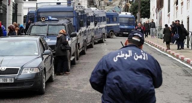 الجزائر.. أحداث عنف والأمن متهم بإطلاق النار على محتجين