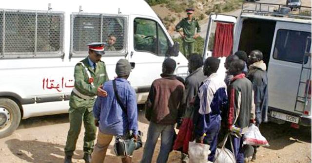 إحباط محاولة اقتحام مهاجرين أفارقة لسبتة المحتلة عبر