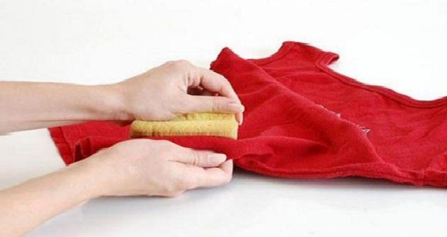 مع اقتراب عيد الأضحى.. إليك بعض النصائح للتخلص من بقع الدم العالقة بالملابس