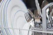 وصفات طبيعية للتخلص من رائحة البيض في الأواني