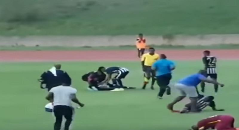 فيديو.. البرق يصعق لاعبيّن أثناء مباراة لكرة القدم