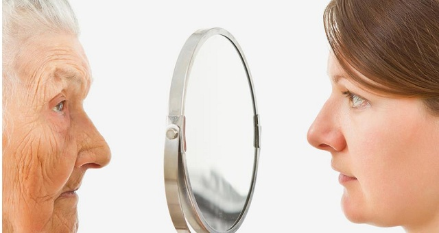 بعد سن الـ40.. إليك نصائح للحفاظ على نضارة بشرتك