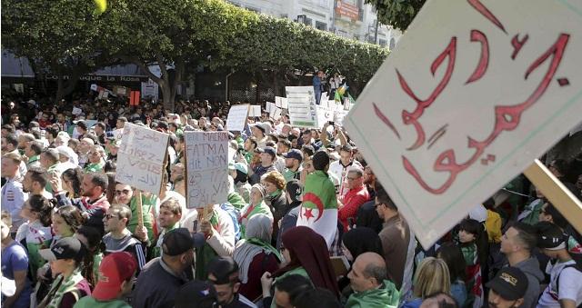 بعد تحديد موعد الاقتراع.. الجزائريون يشككون في نزاهة الانتخابات